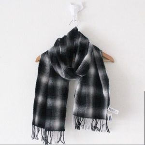 💕 NWT Old Navy Plaid Long Scarf